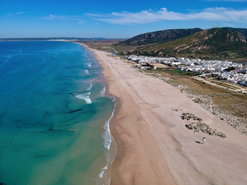 Hotel Playa de la Plata - Zahara de los Atunes - Pueblo vista aérea
